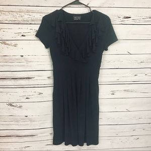 Max and Cleo Ruffled V-neck Dress Black Size XS